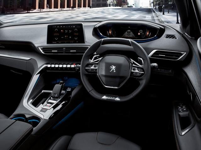 Peugeot 5008 suv gt premium quality peugeot malta for Interieur 5008