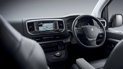 /image/07/1/peugeot-new-traveller-cockpit-gallery.127071.jpg
