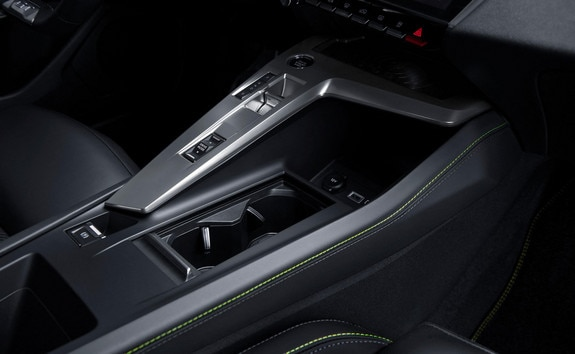 New PEUGEOT 308 SW central console and automatic gearbox