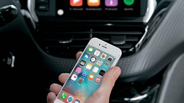 /image/12/0/208-3-door-mirror-screen-and-car-play.126120.jpg
