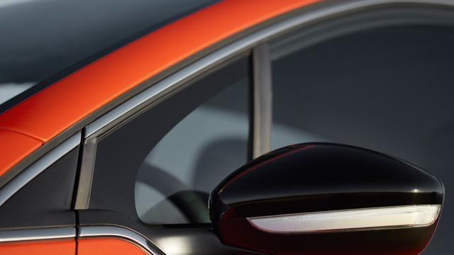 /image/18/1/208-5-door-exterior-personalisation-7.126181.jpg