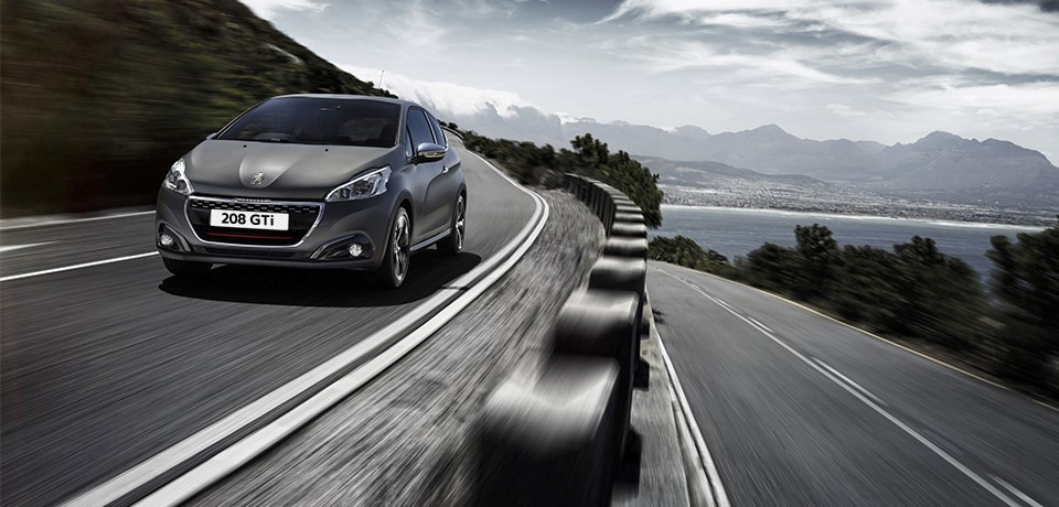 /image/30/5/peugeot_208_gti_exterior_front.126305.jpg