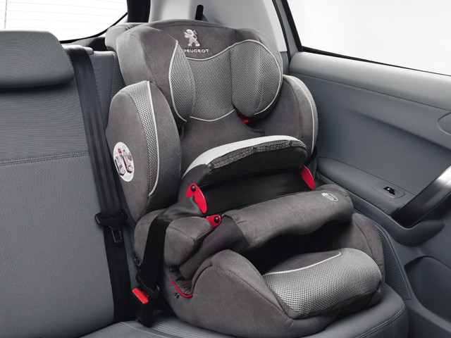 /image/39/0/2008-suv-isofix-child-seat.126390.jpg