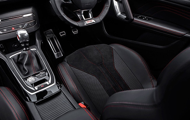 Peugeot 308 gti by peugeot sport interior comfort for Interior peugeot 308