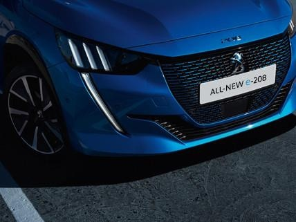 ALL-NEW PEUGEOT e-208 – individualistic front face and full LED headlights