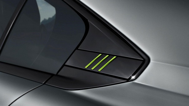 New PEUGEOT SPORT ENGINEERED 508: PEUGEOT SPORT ENGINEERED signature with 3 Kryptonite claws on the quarter panel inserts