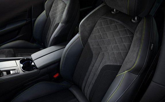"""New PEUGEOT SPORT ENGINEERED 508: seats with """"comfort-fit"""" optimised support."""