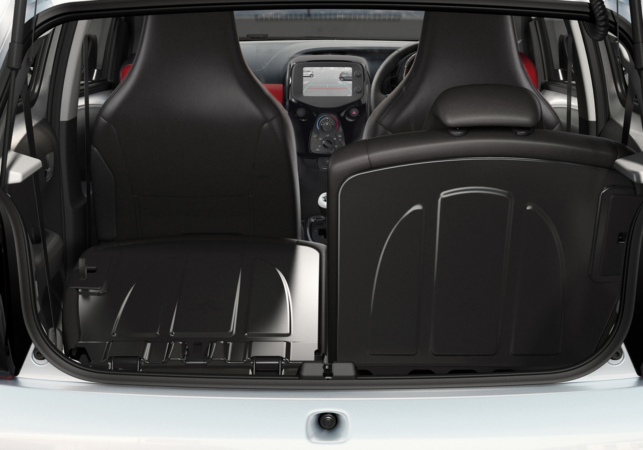 /image/89/1/peugeot-108-3-door-interior-gallery.125891.jpg