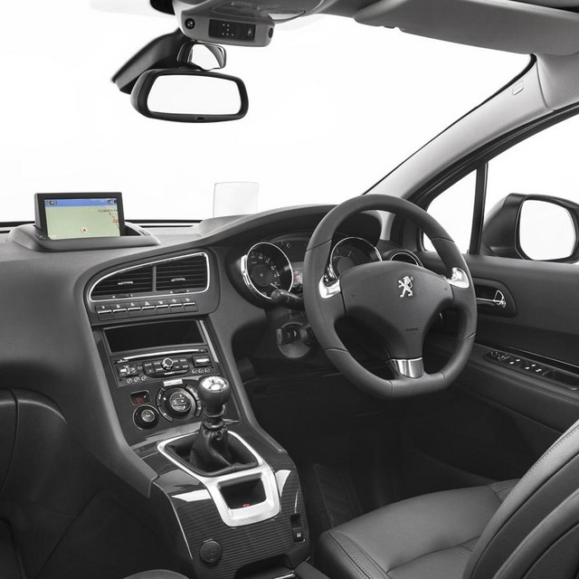 /image/91/4/peugeot-5008-mpv-interior-gallery.126914.jpg