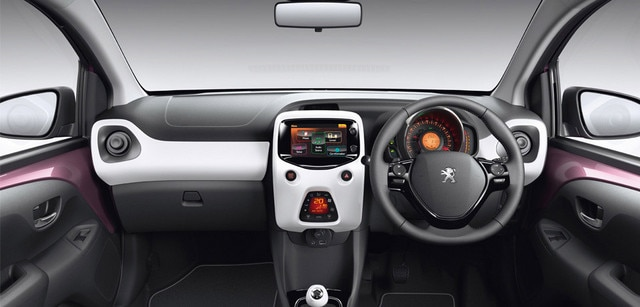 /image/95/8/int-touch_screen_and_dashboard.125958.jpg